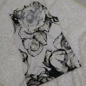Express Rose Floral Black White Tank M